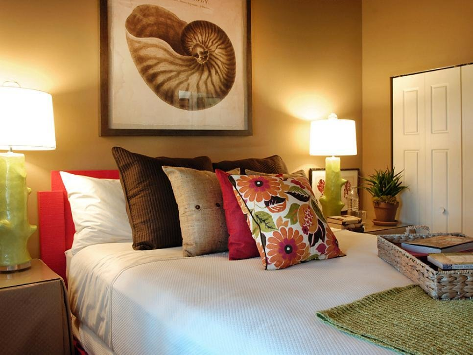 Best 12 Cozy Guest Bedroom Retreats Diy With Pictures