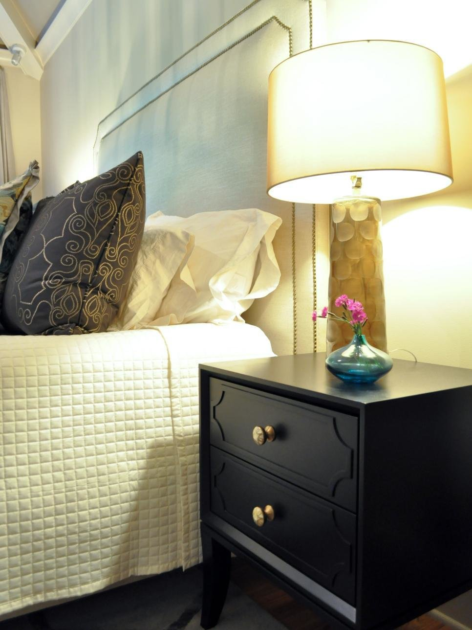 Best Ideas For Updating An Old Bedside Tables Diy With Pictures