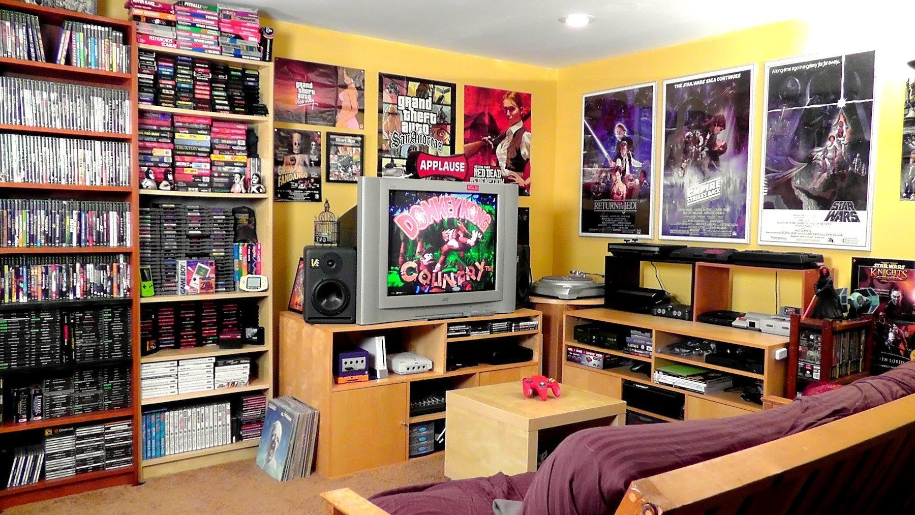 Best Man Cave Theme Ideas Part 1 Dudeliving With Pictures