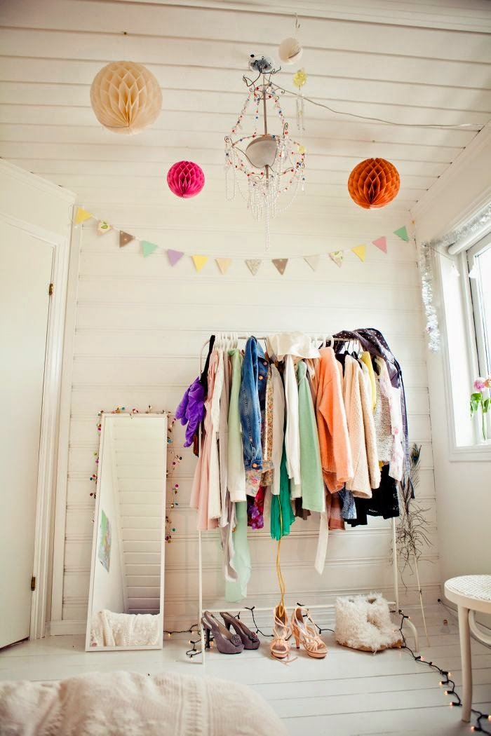 Best My Apartment S Problem Area Built In Bedroom Clothes Rack With Pictures