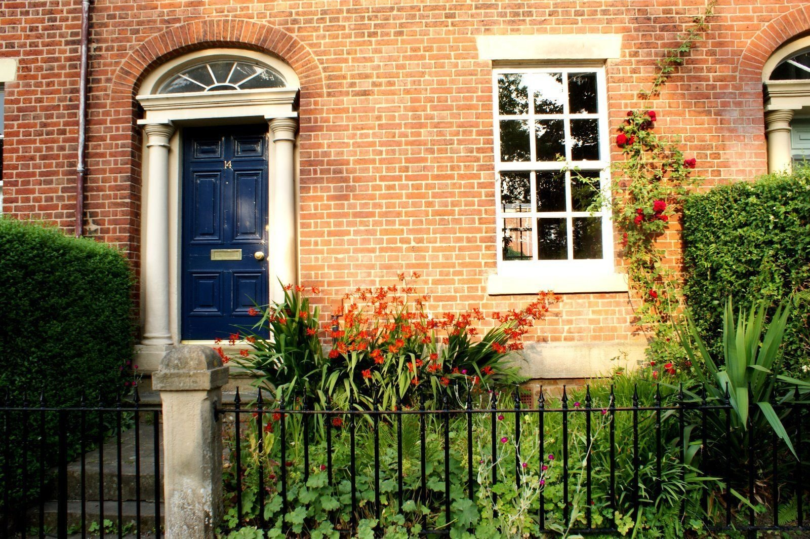 Best 3 Bedroom Grade 2 Listed Georgian Town House For Rent In With Pictures