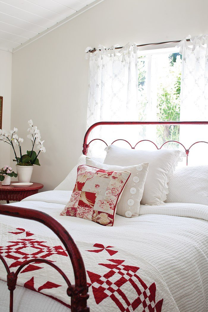 Best 15 Impressive Red And White Interior Designs That You Have To See With Pictures