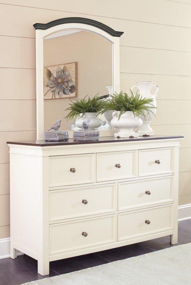 Best Woodanville Dresser Mirror B623 31 36 Bedroom Dressers With Mirrors Price Busters Furniture With Pictures