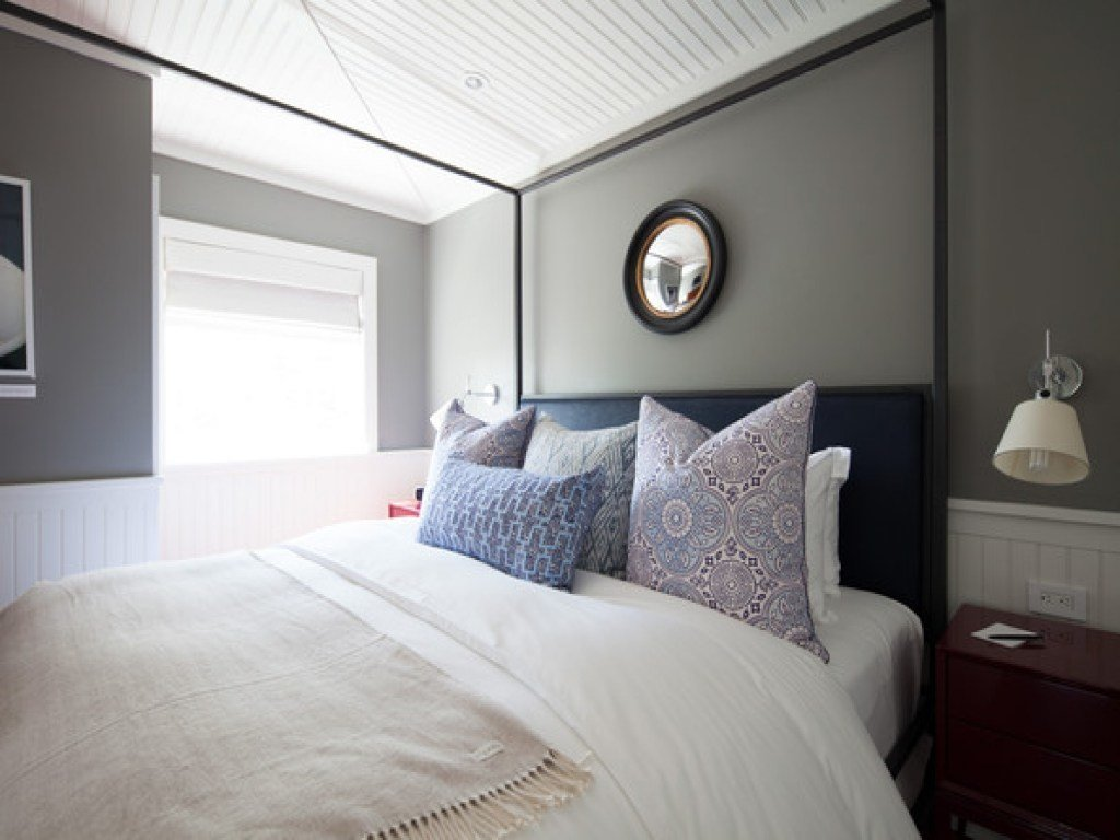 Best Bedroom Mirror Over Bed Pictures Decorations Inspiration With Pictures