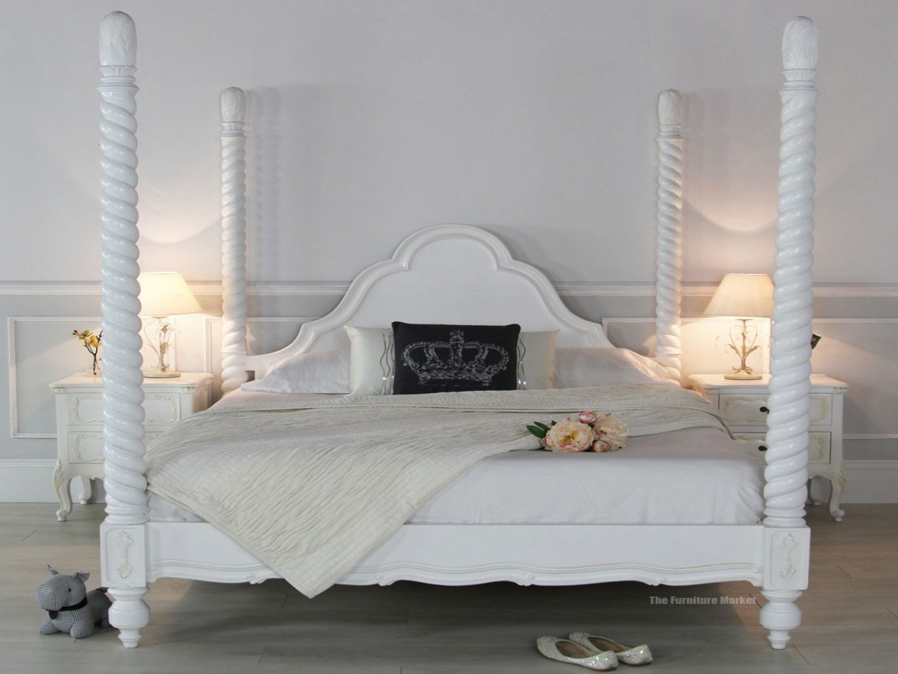 Best White Painted Four Poster Bed Interior Designs With Pictures