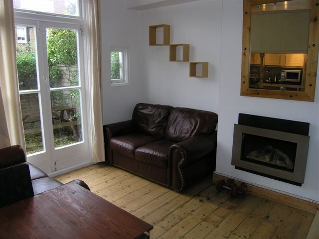 Best 1 Bedroom Flat Melbourne Road Sw19 With Pictures