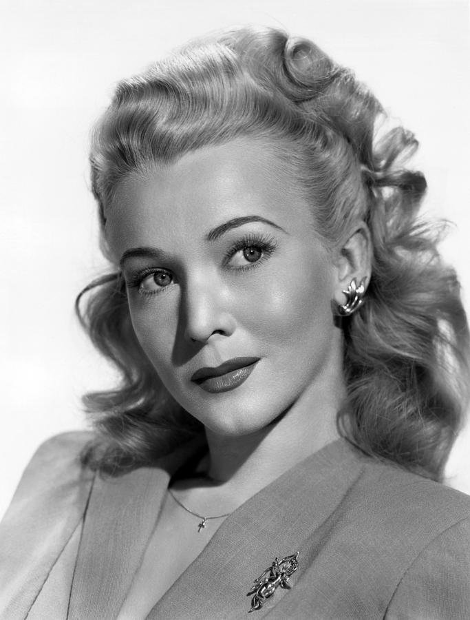 Free 1940S Hairstyles For Women S To Try Once In Lifetime The Wallpaper