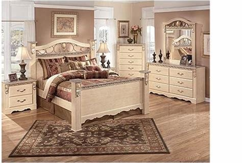 Best Used Bedroom Set Excellent Condition From Ashley Furniture With Pictures