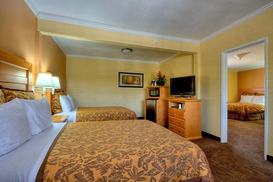 Best Hotels Near To Disneyland With Free Breakfast With Pictures