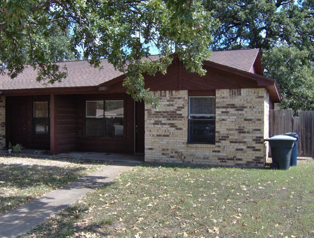 Best Duplex For Rent 2 Bedroom 1 5 Bath Duplex Near A Dog Park With Pictures