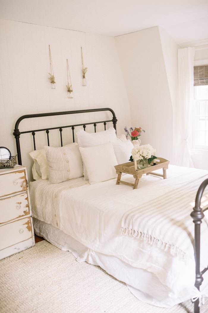 Best Farmhouse Guest Bedroom Makeover Lynzy Co With Pictures