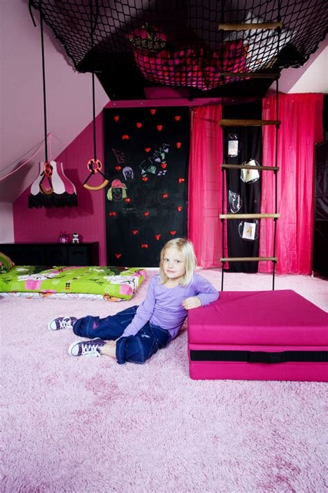 Best Emmas Pink Bedroom For Fixa Rummet Svt Isabelle Mcallister With Pictures