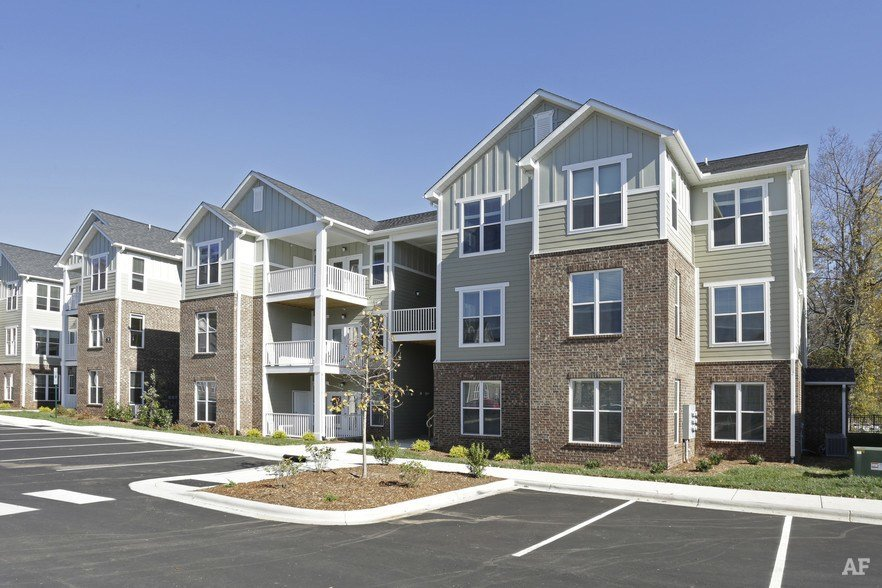 Best Dilworth Apartment Homes Asheville Nc Apartment Finder With Pictures