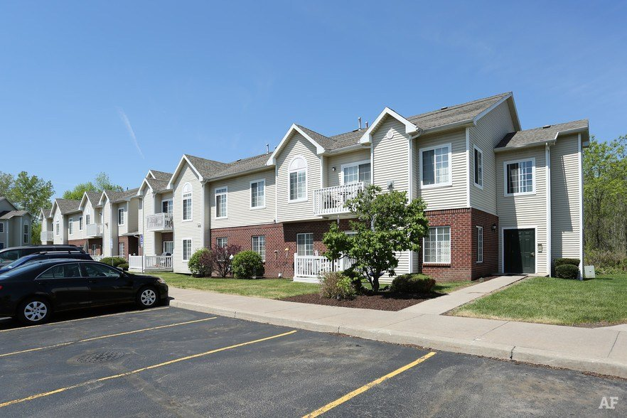Best Blueberry Hill Apartments Rochester Ny Apartment Finder With Pictures