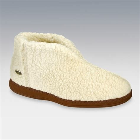 Best Acorn Womens Cozy B**T** Slippers In Buff Popcorn At Hayneedle With Pictures