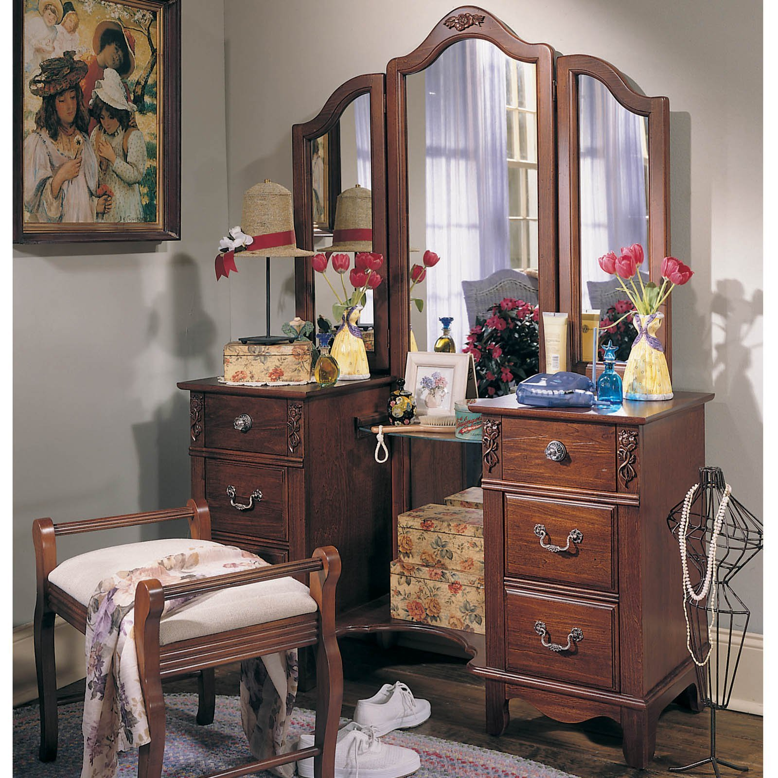 Best Antique Treasures Bedroom Vanity Set At Hayneedle With Pictures
