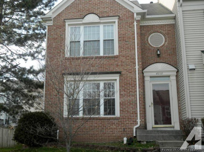 Best 3 Bedroom 1 Den Townhouse In Centreville Va For Rent For With Pictures