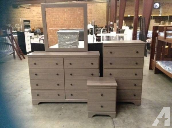 Best Queen Raleigh 5Pc Bedroom Set With Studded Padded With Pictures