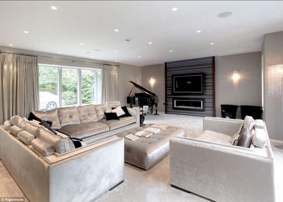 Best Through The Keyhole Can You Match These Stunning Luxury With Pictures