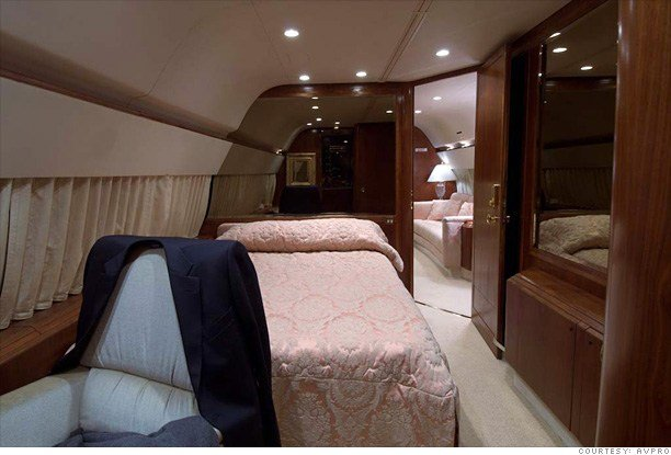 Best Inside Donald Trump S Private Jet Bedroom 6 Cnnmoney Com With Pictures