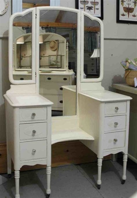Best Bedroom Classic Vanity Dresser For Your Bedroom Vanity Dresser Desk Vanity Makeup Vanity Set With Pictures