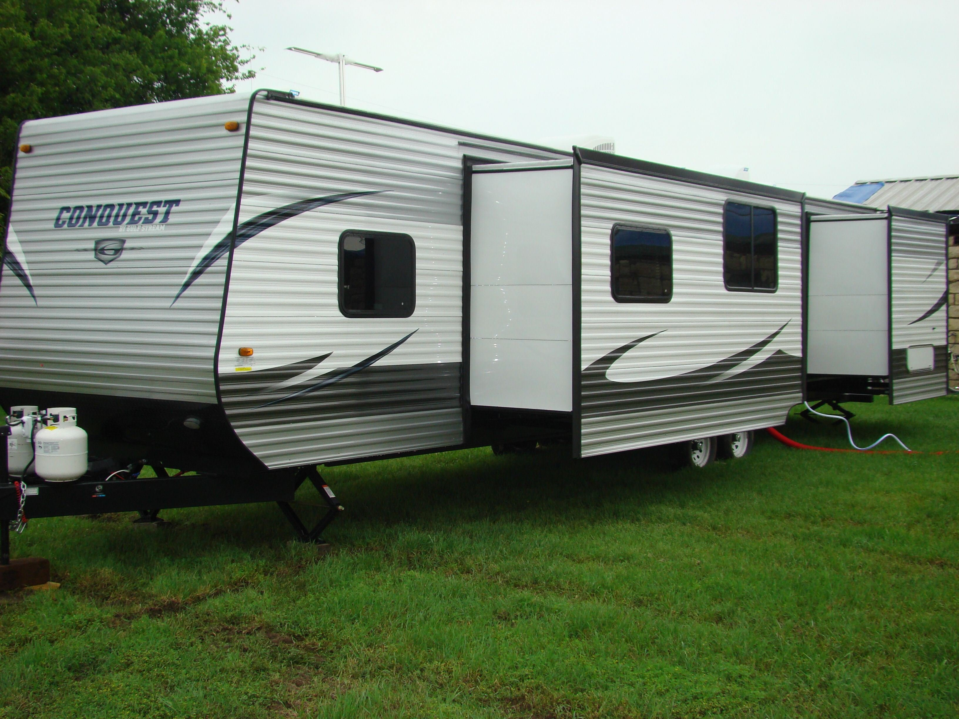 Best 2 Bedroom Campers 2011 Jayco Eagle 365Bhs 3 Quad Slideout With Pictures