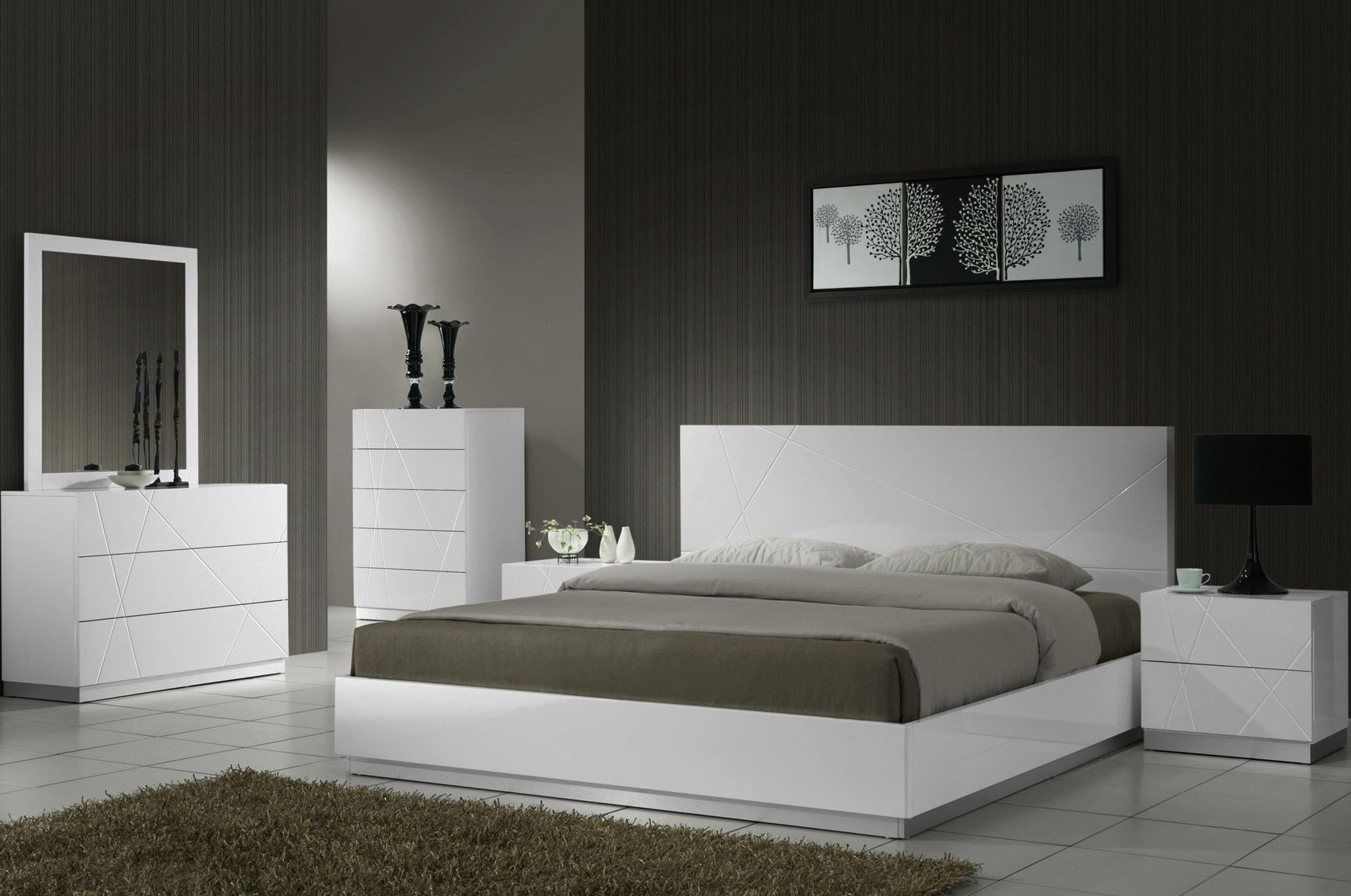 Best Naples White Lacquer Platform Bedroom Set From J M 17686 With Pictures