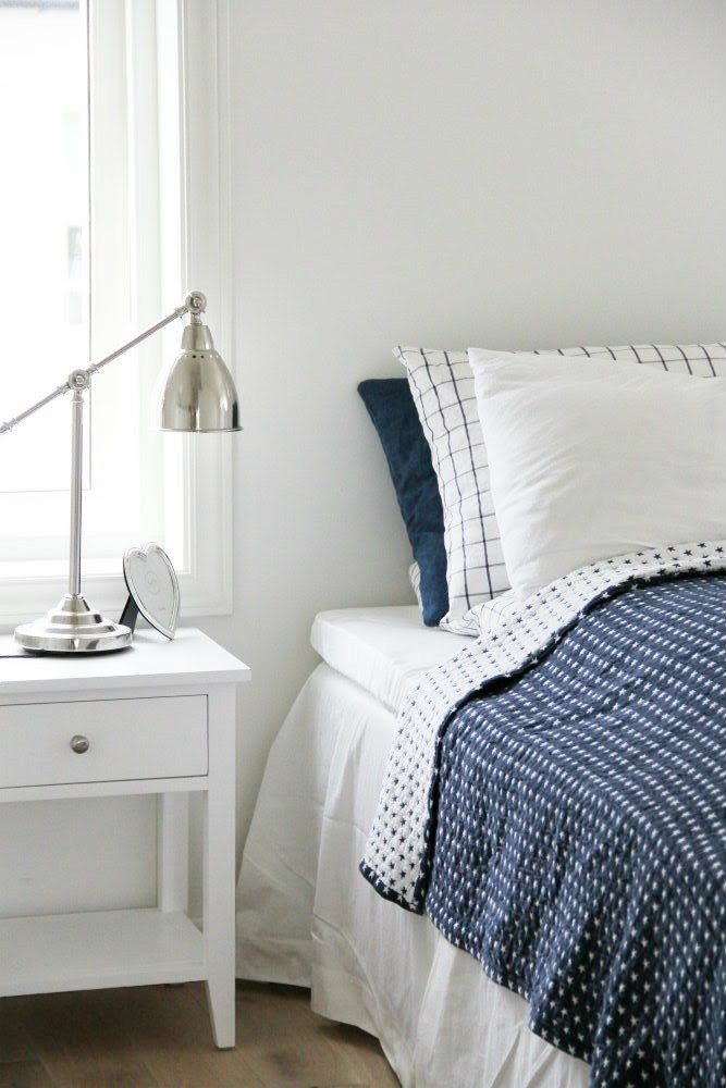 Best Decordots White And Navy Bedroom With Pictures