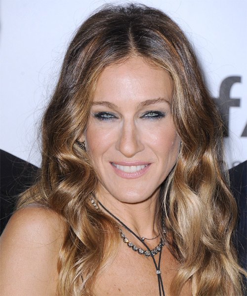 Free Sarah Jessica Parker Long Wavy Casual Hairstyle Light Wallpaper
