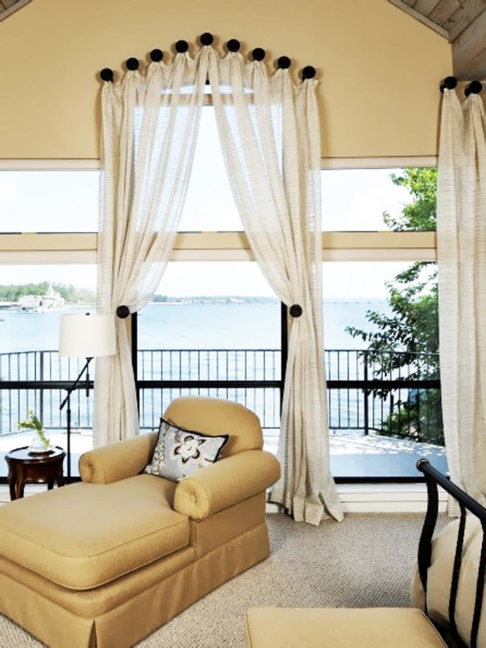 Best Dreamy Bedroom Window Treatment Ideas Hgtv With Pictures