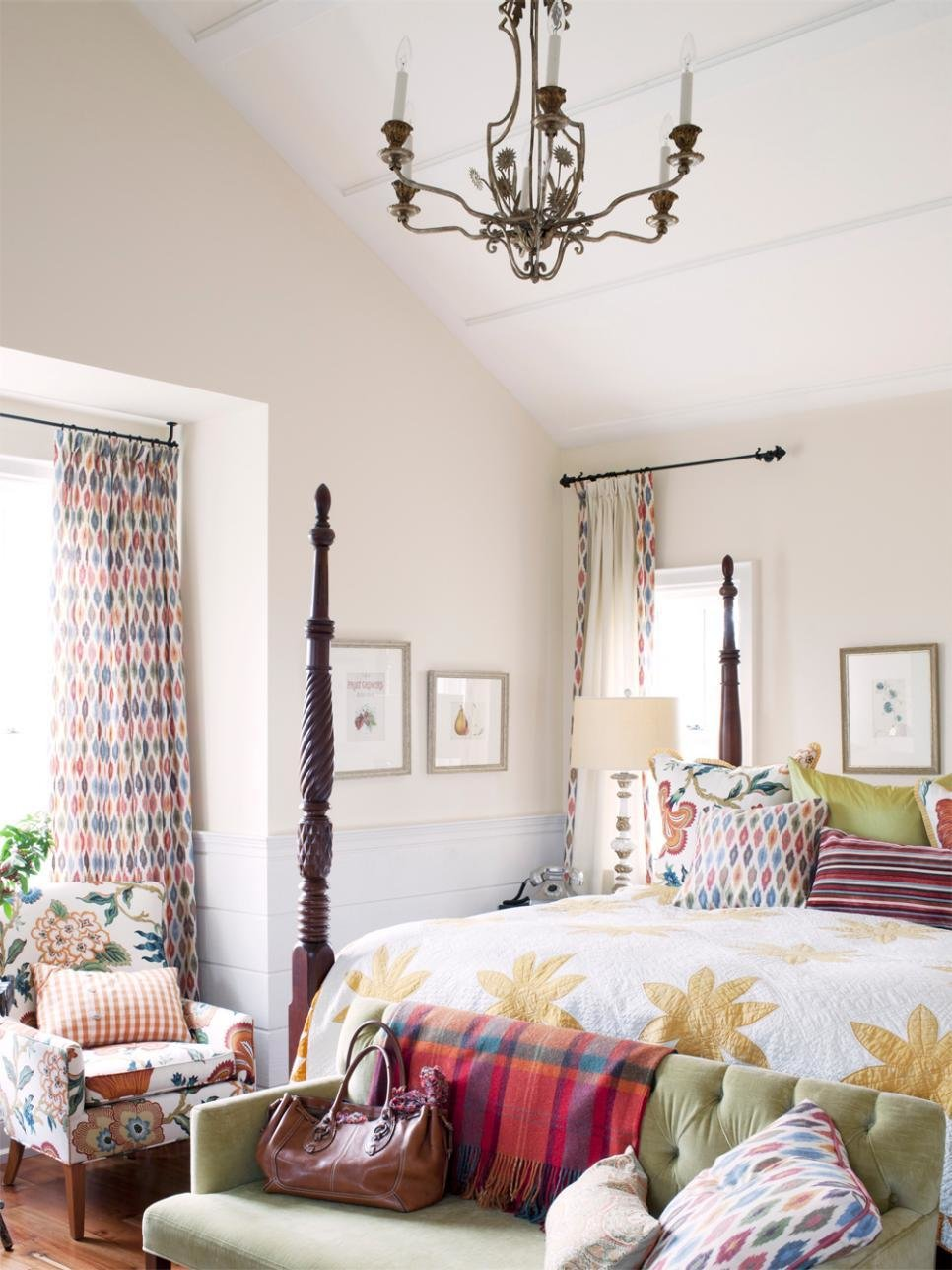 Best Sarah Richardson Turns A Farmhouse Into A Retreat Hgtv With Pictures
