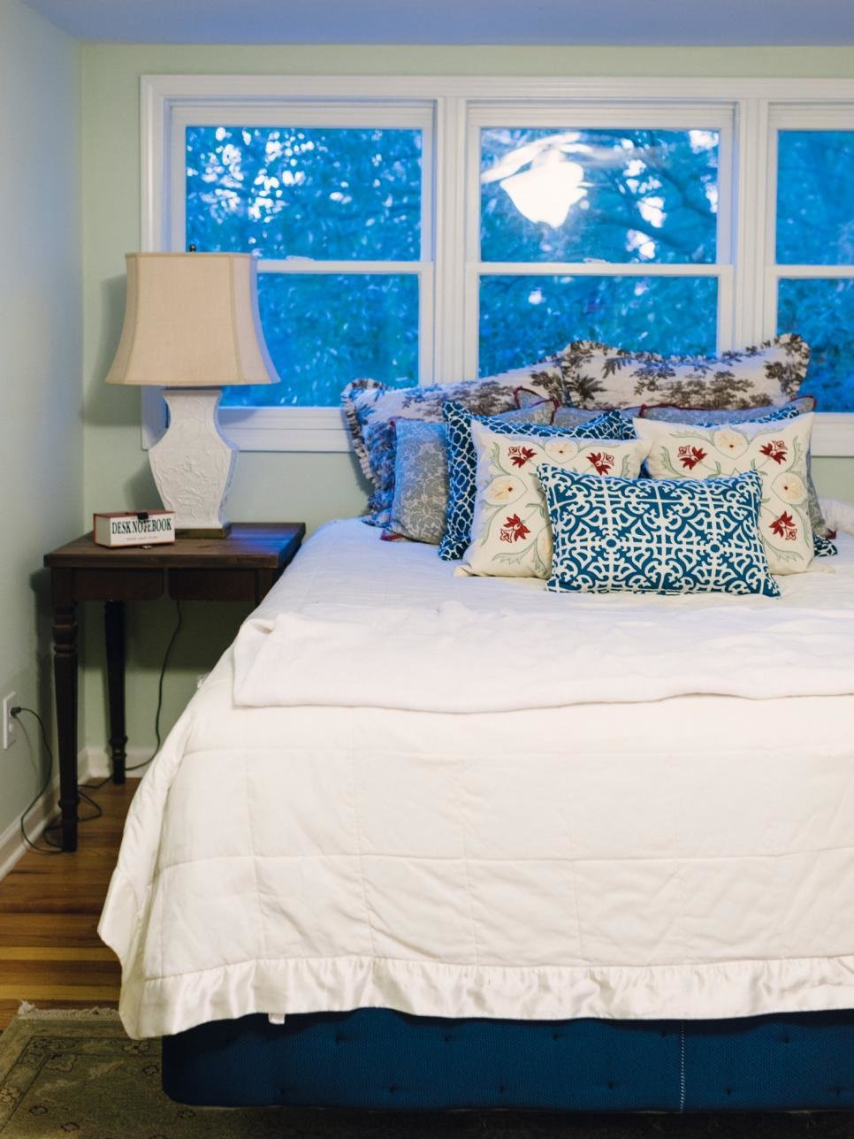 Best Cottage Style Bedroom Decorating Ideas Hgtv With Pictures