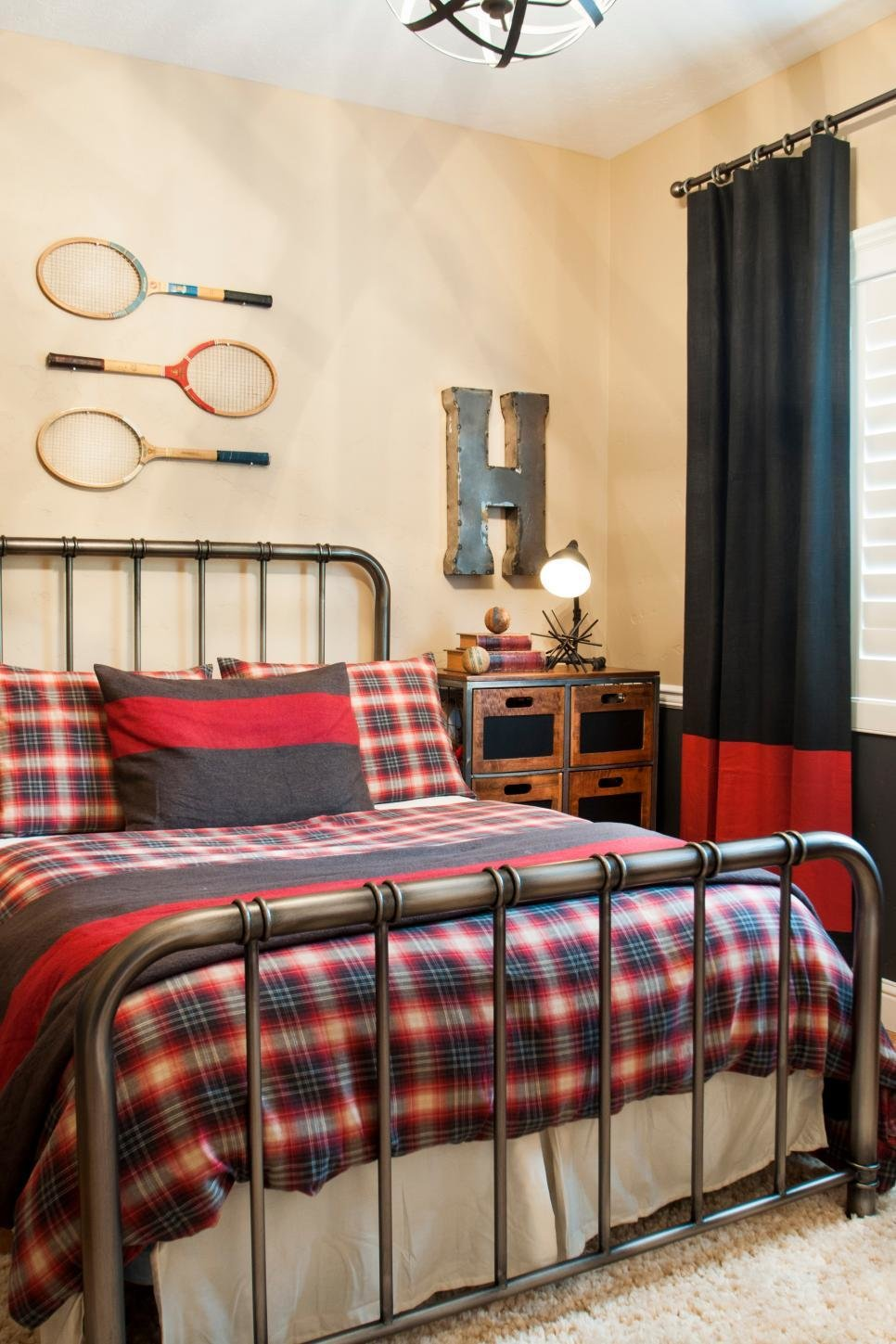 Best 46 Bedroom Design Ideas For Teenagers Hgtv With Pictures