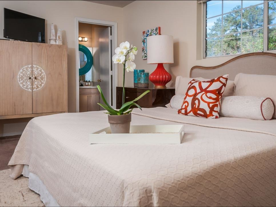 Best Affordable Before And After Bedroom Makeovers Hgtv With Pictures