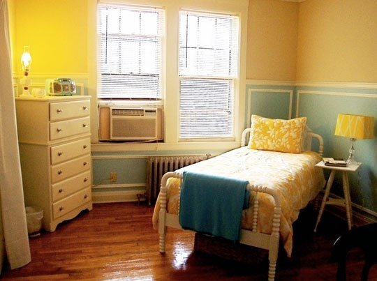 Best A Fresh Take On Yellow And Blue Decorating The Decorologist With Pictures