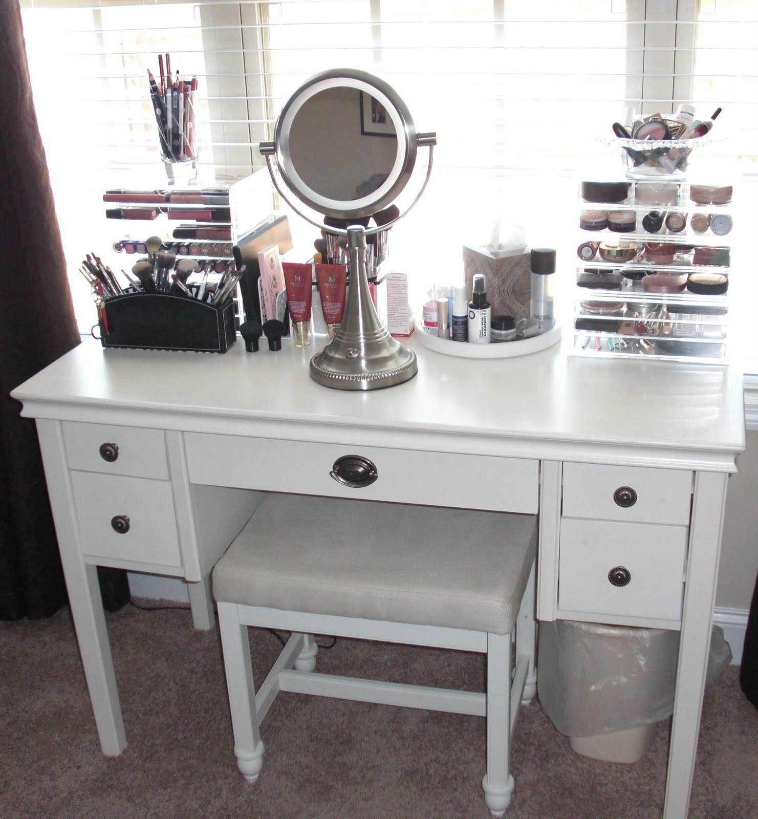 Best Outstanding Creative Vanity Ideas For Bedroom Atzine Com With Pictures