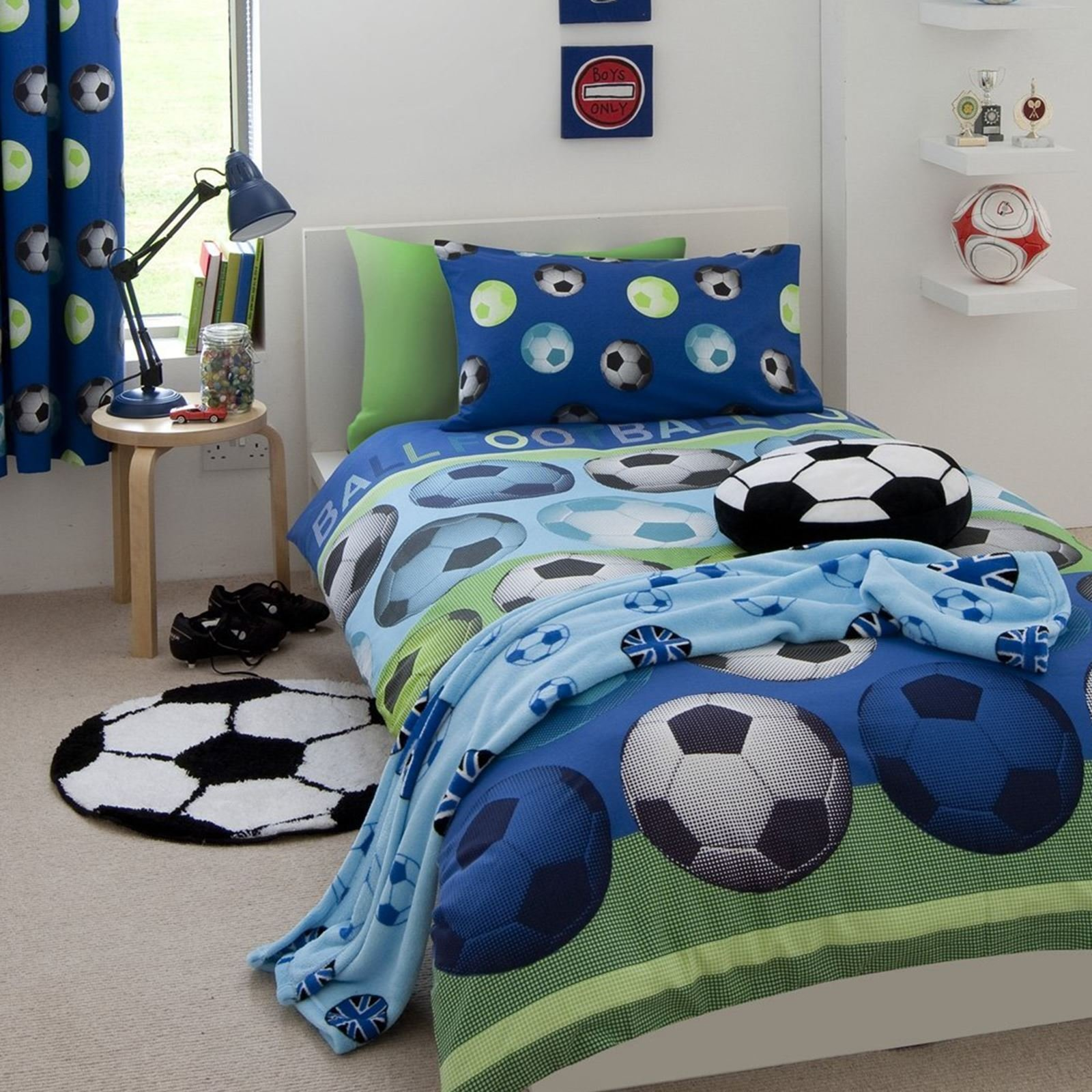 Best Catherine Lansfield It S A Goal Football Rug Kids Bedroom With Pictures