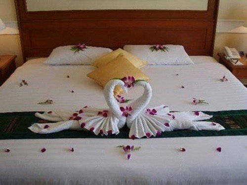 Best Romantic Ideas To Decorate Your Bedroom For Valentine S With Pictures