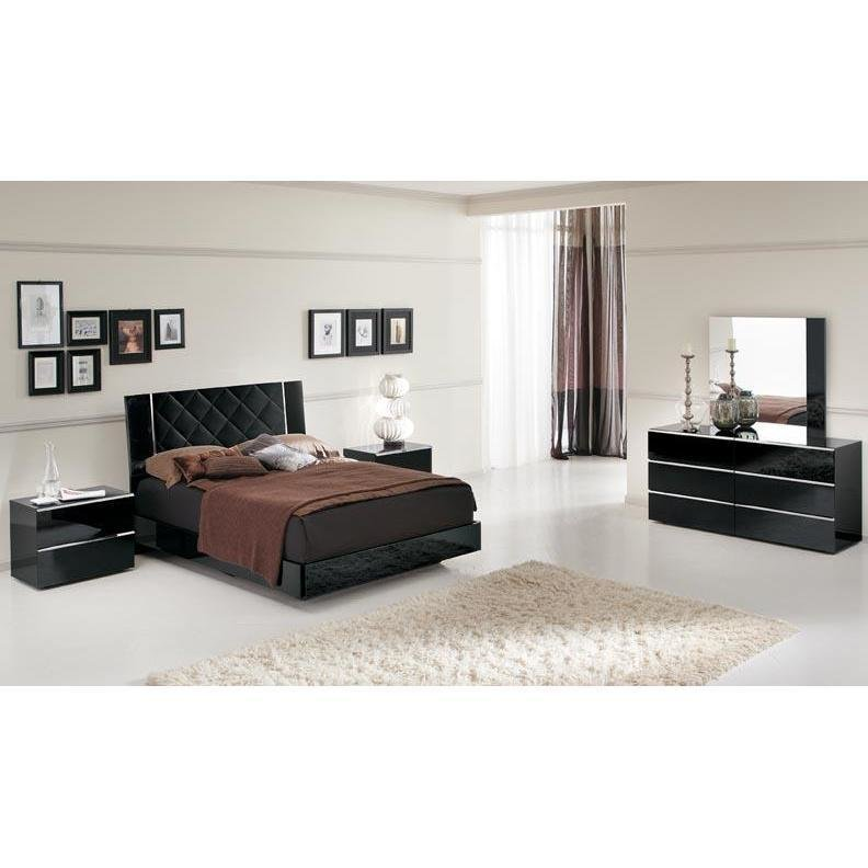 Best Decorate Your Bedroom With The Stylish Black Lacquer With Pictures