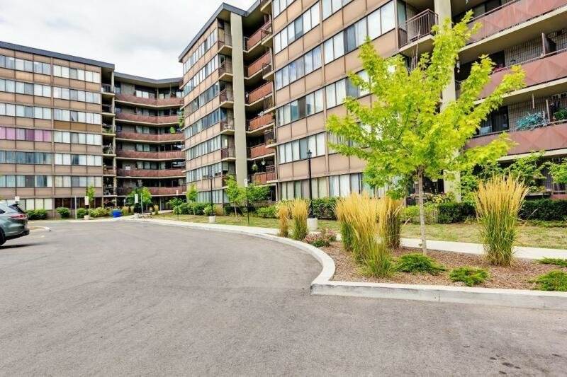 Best 2 Bedroom At 101 Governors Road In Dundas 2 Bedroom With Pictures