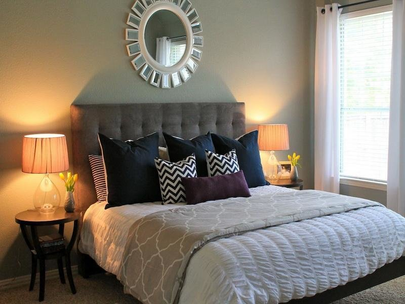 Best Bloombety Inspiring Small Guest Bedroom Ideas Small With Pictures