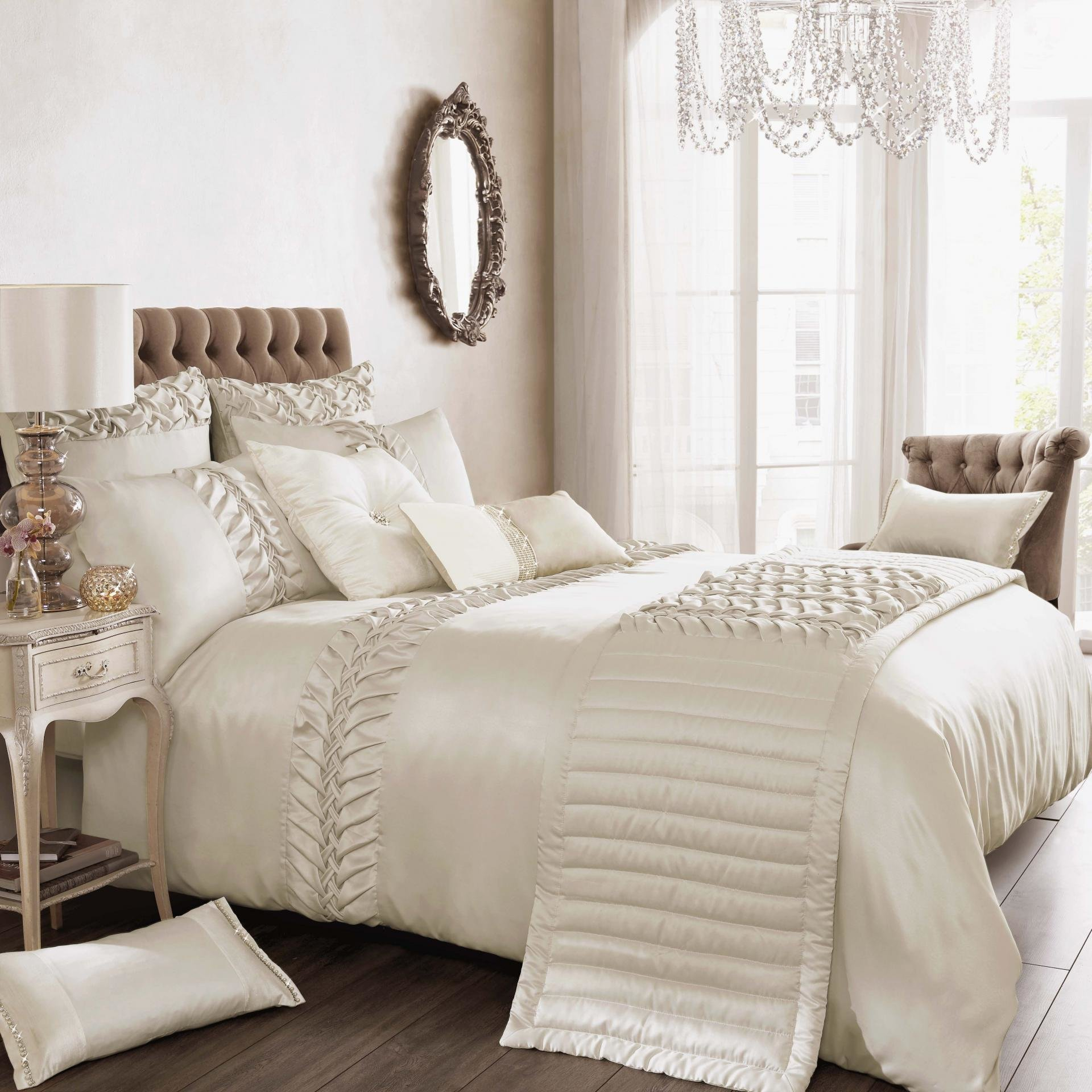 Best Things To Keep In Mind While Buying Luxury Bedding Sets With Pictures