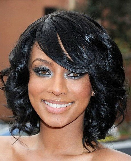 Free Short Layered Haircuts For Black Women Wallpaper