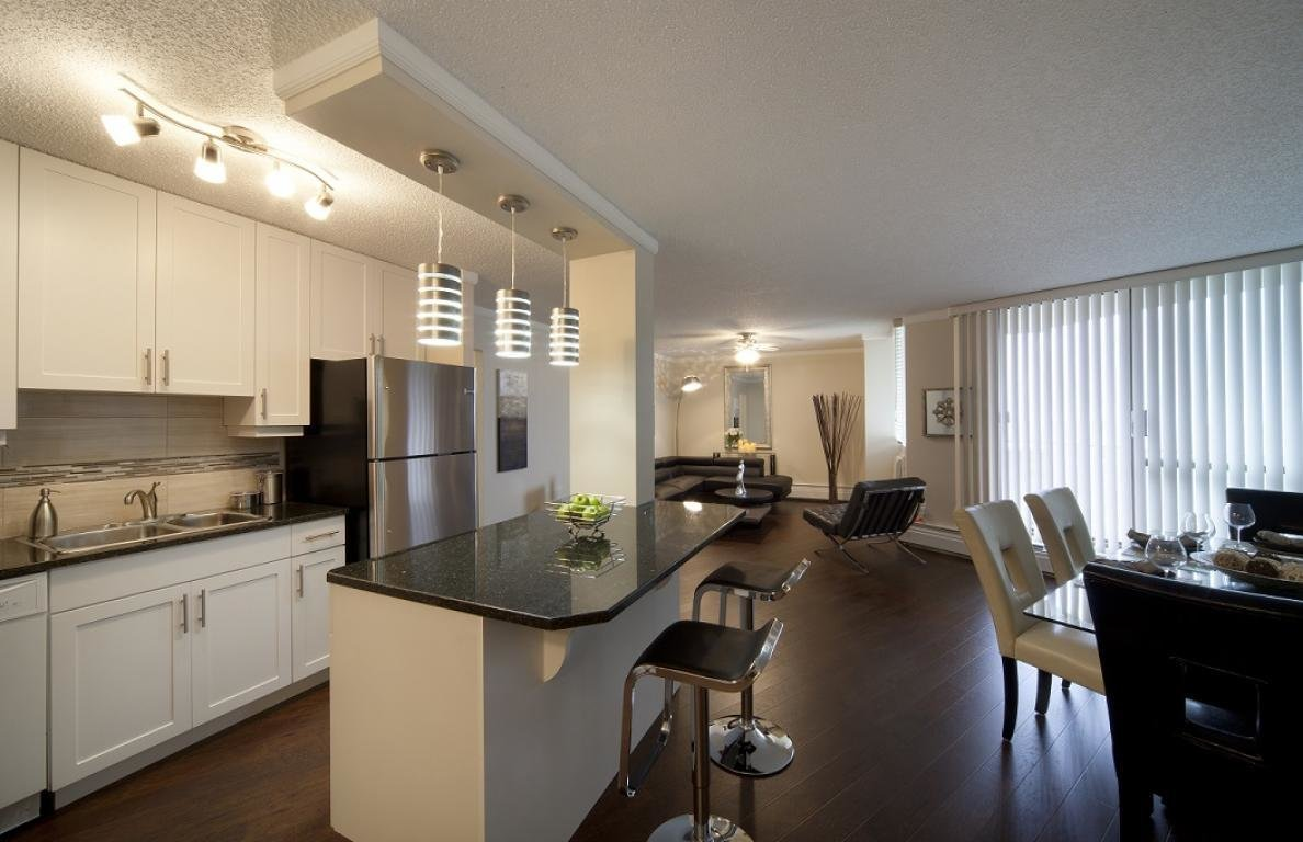 Best Edmonton Downtown 2 Bedrooms Apartment For Rent Ad Id Mpm 135545 Rentboard Ca With Pictures
