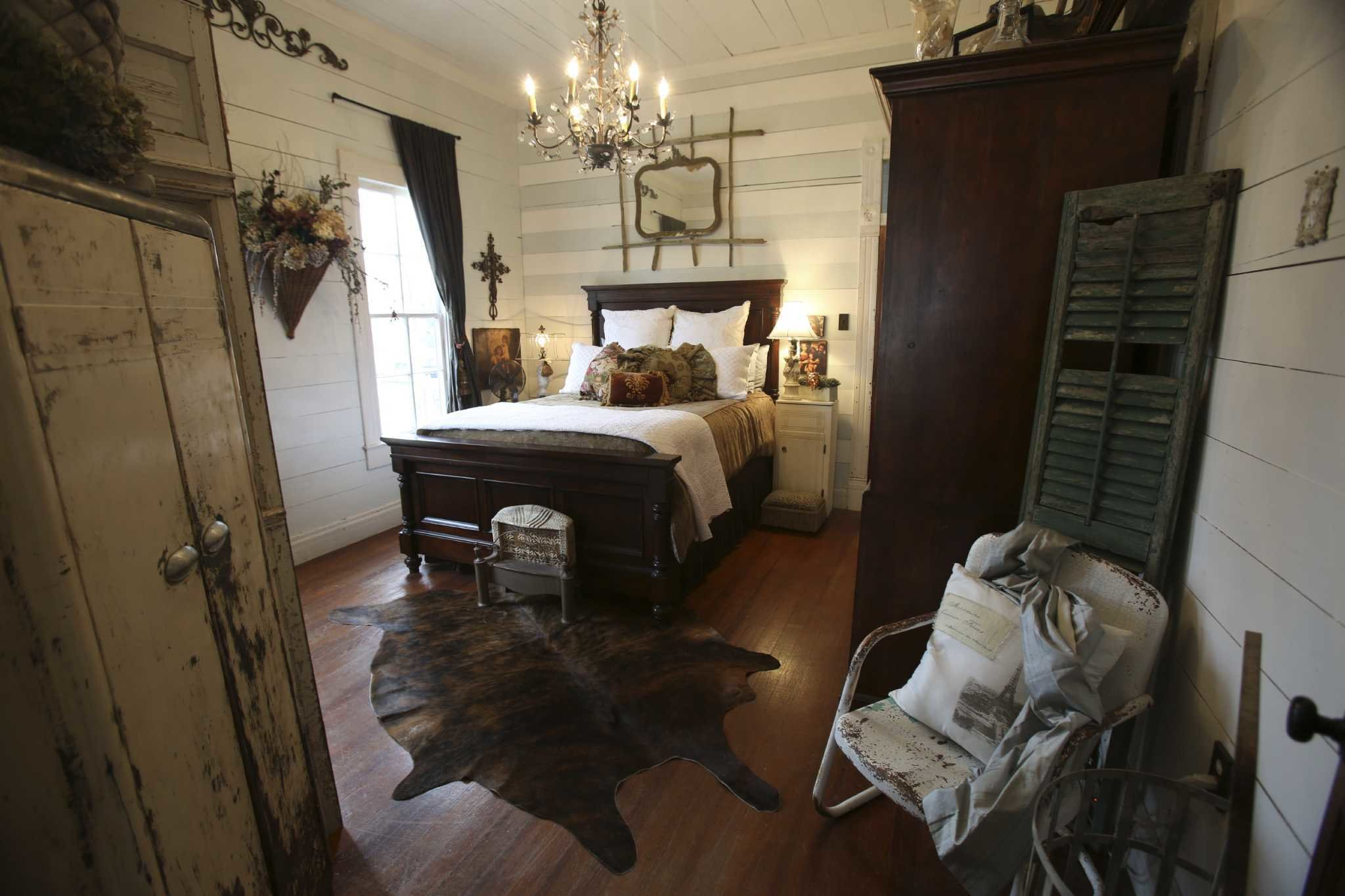 Best Spaces A Tiny 1940S Cottage San Antonio Express News With Pictures
