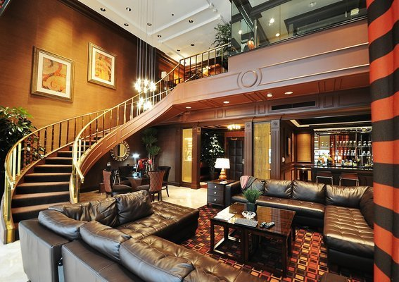Best Vegas Hotel Suite For Photography Shots… Need Opinions With Pictures