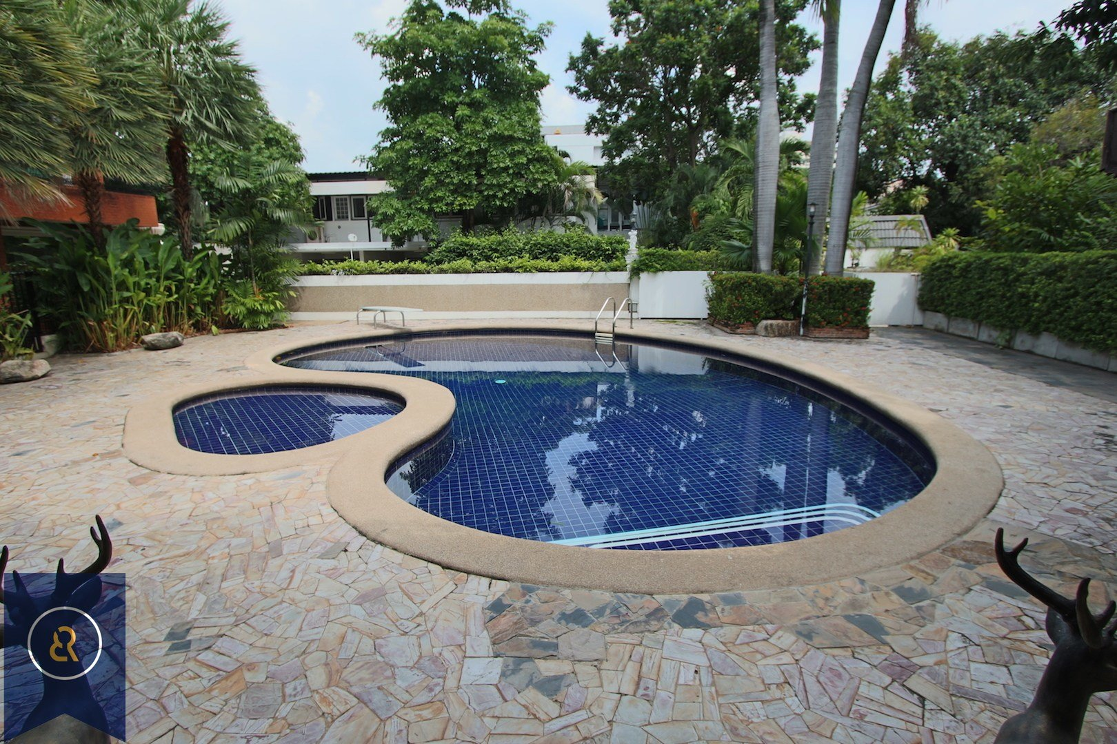 Best Three Bedroom House For Rent In Ekkamai With Private Pool With Pictures