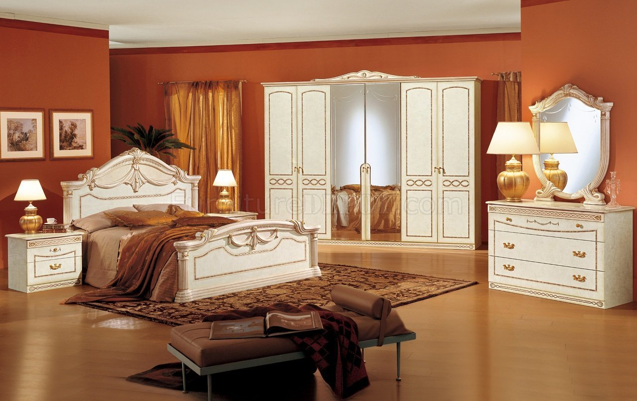 Best Stone Lacquer Finish Charming Bedroom Set W Crafted Crowns With Pictures
