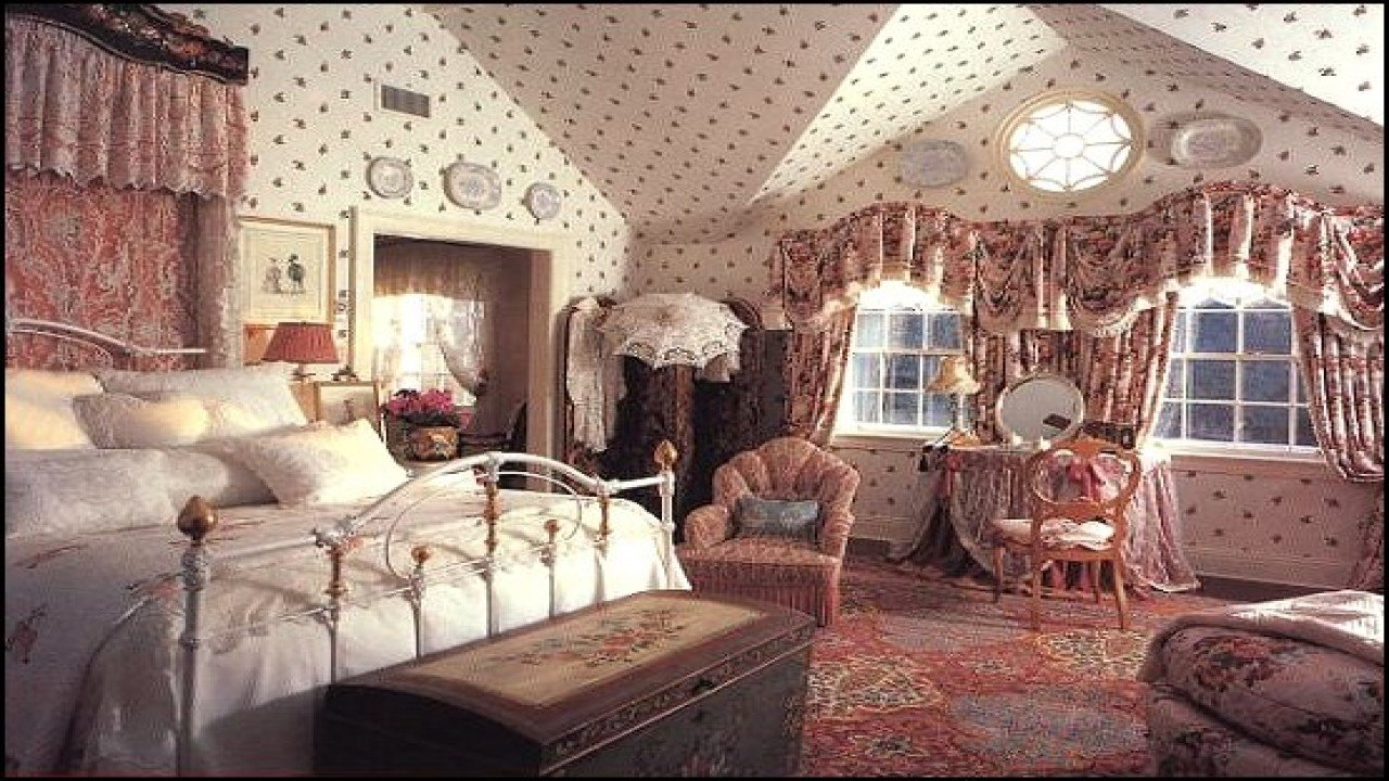 Best Country Vintage Style Victorian Style Bedroom Decorating With Pictures
