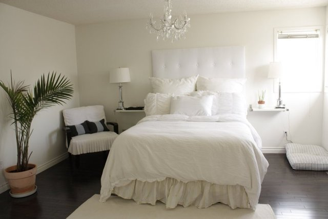 Best Chandeliers For Bedrooms Ideas Modern Master Bedroom With Pictures